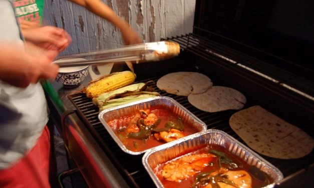 Get out of the kitchen and into your backyard: grilled chicken enchiladas- ay caramba!