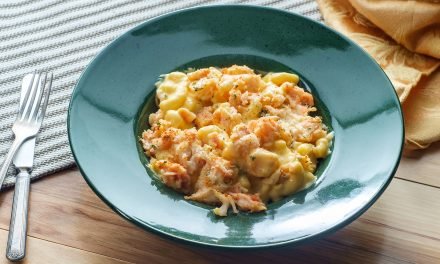Creamy Lobster Mac N' Cheese