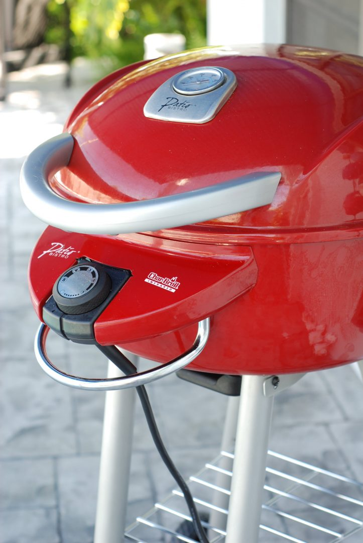 """Grill Gear Reviews: Charbroil Patio Bistro Electric Grill, Red Envelope's Infrared Thermometer and Adam Perry Lang's """"BBQ 25"""" Book"""