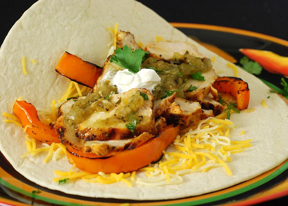 Fire roasted salsa verde adds flavor depth to fajitas!
