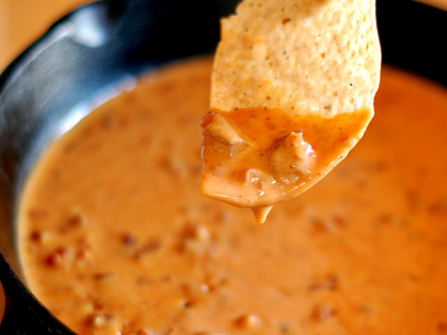 Tailgating 2.0: Patio Daddio Queso Dip