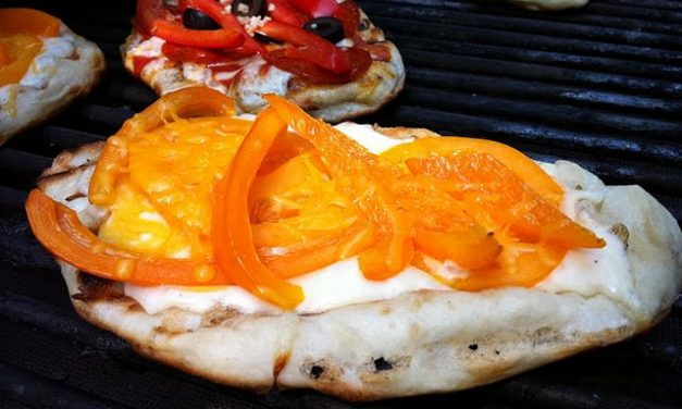 Tailgating 2.0: Tennessee Volunteer Go Orange Mini Pizzas from the Jacked Up Grill