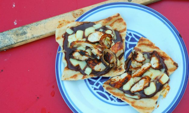 BBQ Sauce Lovers Grilled BBQ Chicken Mini Pizzas