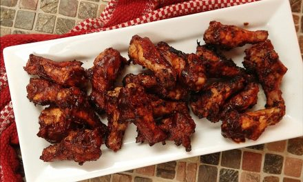 Sriracha BBQ Chicken Wings on the Pit Barrel Cooker