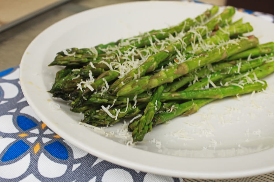 Grilled Asparagus with Garlic and Parmesan Cheese - GrillGirl blog ...