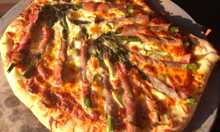 How To Grill Pizza on The Big Green Egg