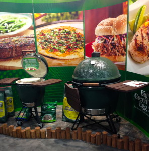 Overview of The Big Green Egg from the cooks perspective http://grillingmontana.com