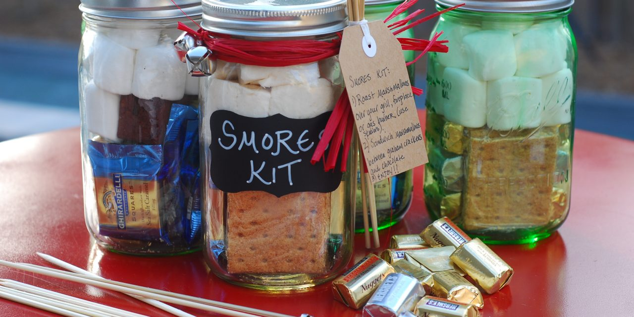 DIY Smores Kits for the Holidays