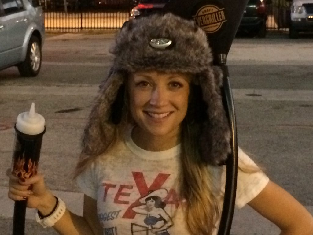 I'm really digging the built in headlamp in this #Evergriller hot-head hat.