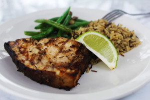 Grilled-Sword-Fish_Featured_MichelleLara_CupcakesCocktailsAndKids