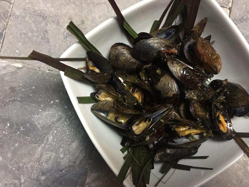 grillgirl, grilled mussels in garlic and herb butter